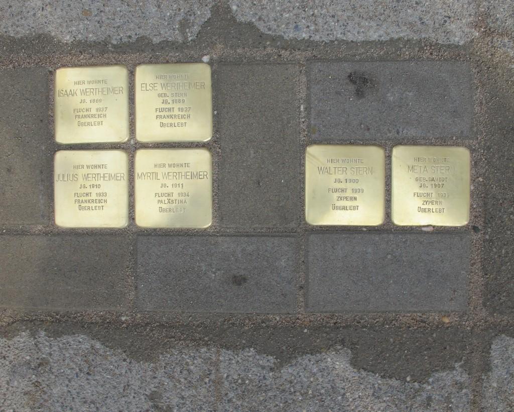Die Stolpersteine in der Schlossstraße erinnern an die Familien Wertheimer und Stein